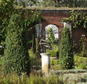 raveningham_garden7